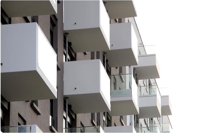 Balkone eines Mehrfamilienauses